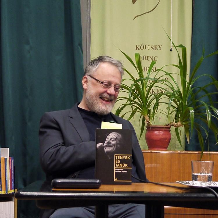 Irodalmi Szalon Máté Gáborral