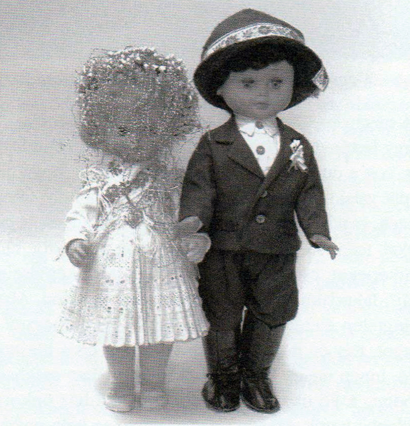 Keszi babák esküvői viseletben